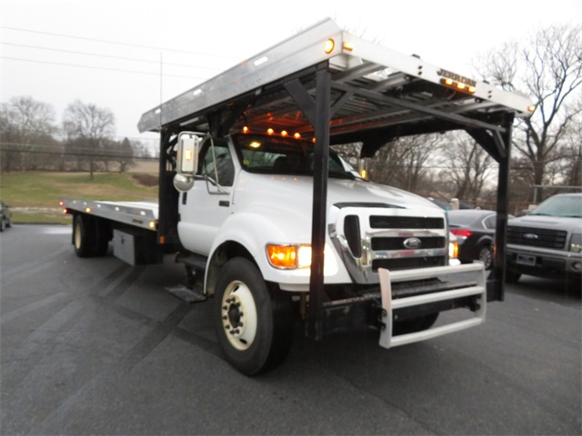 Pre-Owned 2009 Ford F-750SD XLT
